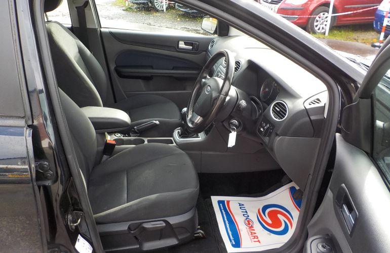 Ford Focus 1.6 Zetec Climate 5dr     KD05BBZ