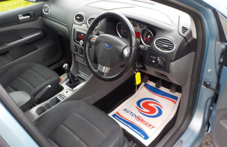 Ford Focus 1.8 Titanium 5dr NJ09HWZ