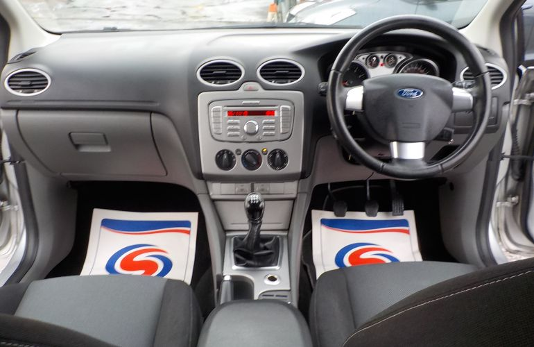 Ford Focus 1.6 Zetec 3dr SK09NNR