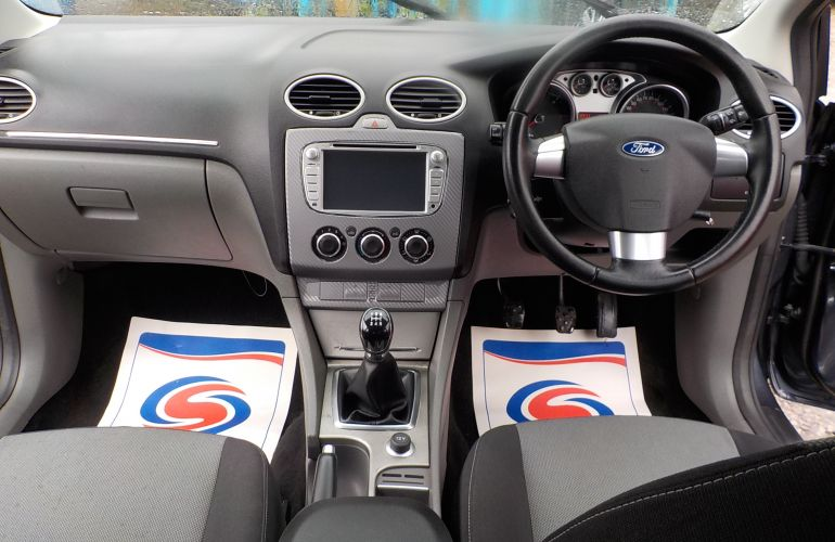Ford Focus 1.6 TDCi DPF Zetec 5dr    WJ09VHK