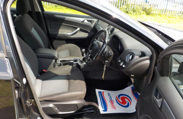 Ford Mondeo 2.0 TDCi Zetec 5dr     SA11UHF
