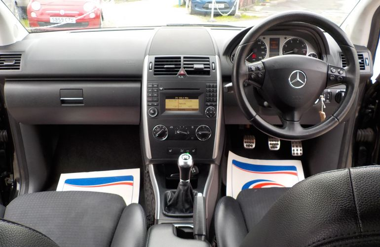 Mercedes-Benz A Class 1.7 A180 Blue EFFICIENCY Avantgarde SE 5dr     YH10LHW