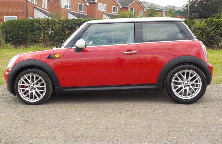 MINI Hatch 1.6 Cooper 3dr     HV08DFJ