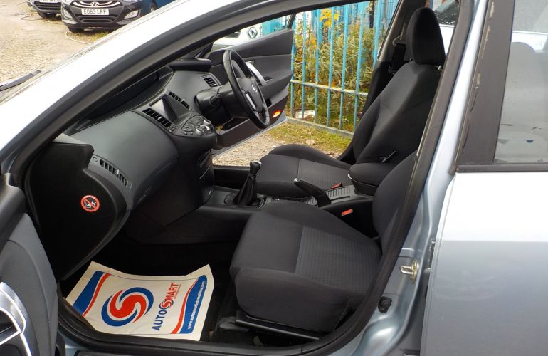 Nissan Primera 1.8 SX 5dr MV06YCC