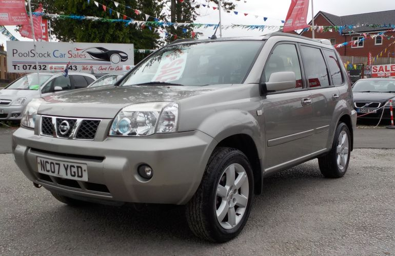 Nissan X-Trail 2.2 dCi Columbia 5dr      NC07YGD