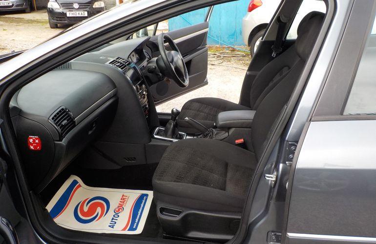 Peugeot 407 1.6 HDi FAP SR 4dr DA60LJK