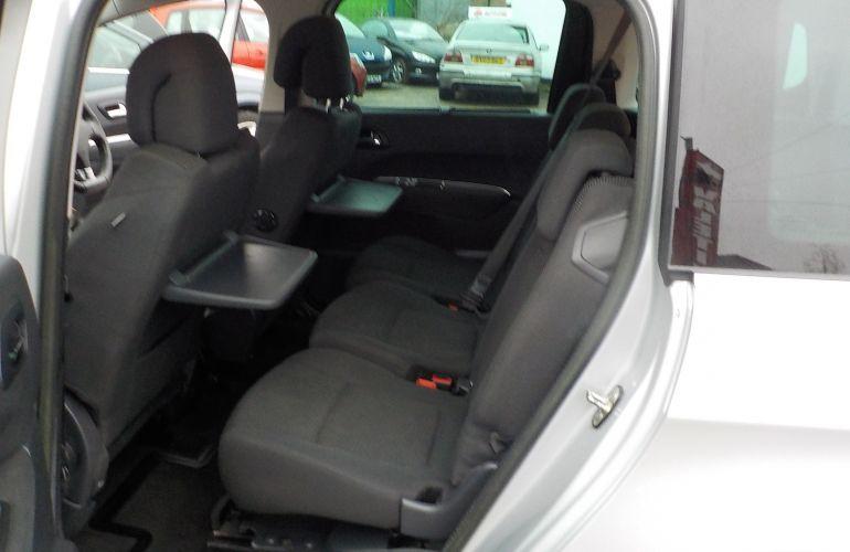 Peugeot 5008 1.6 HDi FAP Allure 5dr KP62OXD