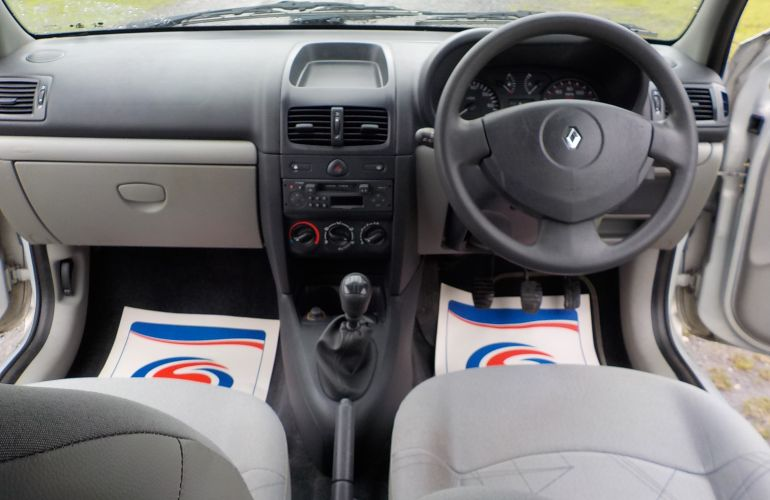 Renault Clio 1.2 Authentique 3dr DE52MWD