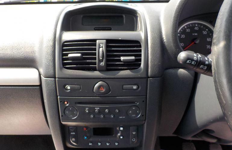 Renault Clio 1.2 16v Dynamique 5dr YH04SXV