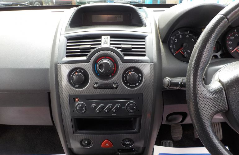 Renault Megane 1.4 16v Authentique 5dr NY06AEE