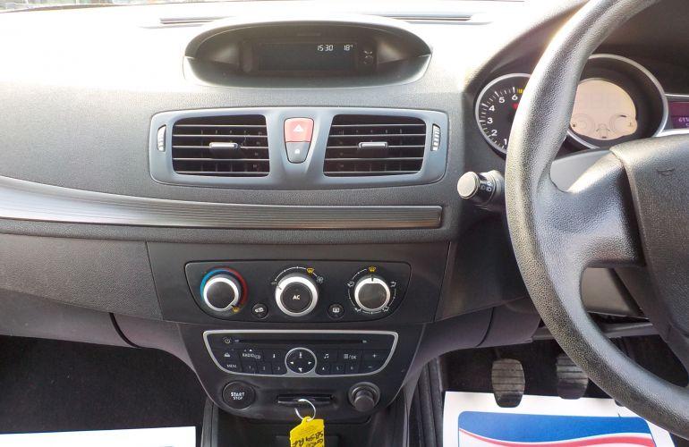 Renault Megane 1.6 VVT Expression 5dr SB59PUF