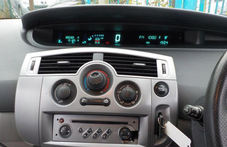 Renault Scenic 1.6 VVT Dynamique 5dr FV56OEN