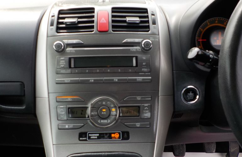Toyota Auris 1.6 VVT-i T Spirit 5dr WG08UJC