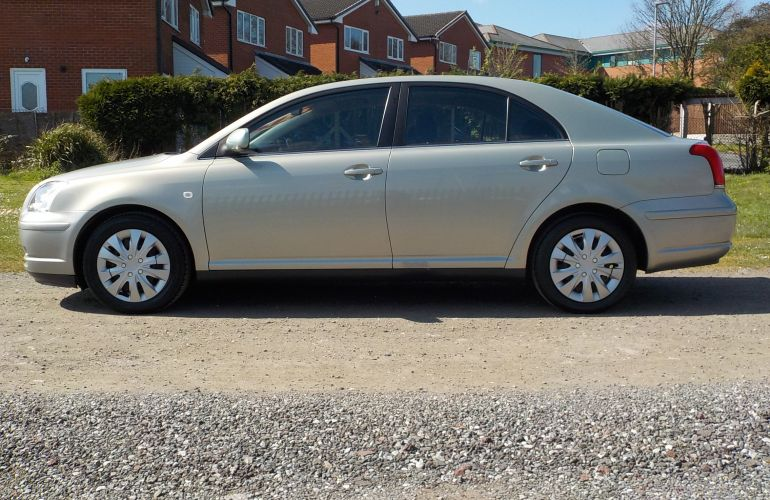 Toyota Avensis 1.8 VVT-i T2 5dr MM04WUE
