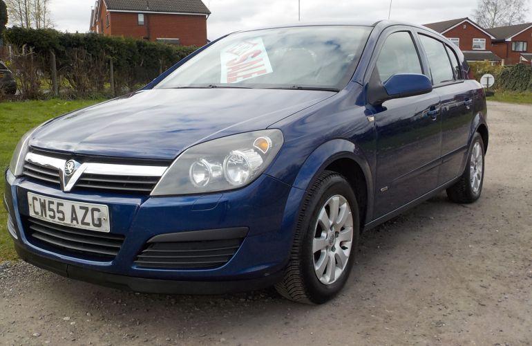 Vauxhall Astra 1.8 i 16v Club 5dr CW55AZG