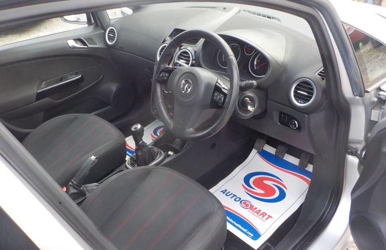 Vauxhall Corsa 1.4 i 16v SXi 5dr DN61GHA