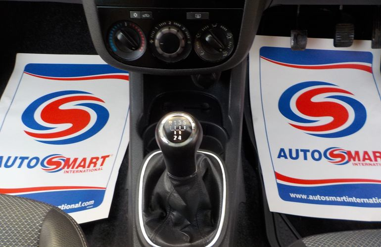 Vauxhall Corsa 1.4 i 16v Design 5dr (a/c) FD59JWM