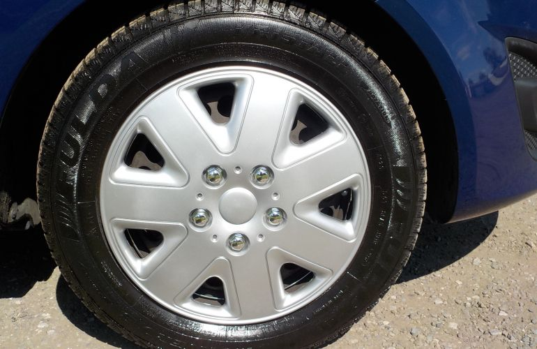 Vauxhall Corsa 1.4 i 16v Exclusiv 5dr KY61DFC