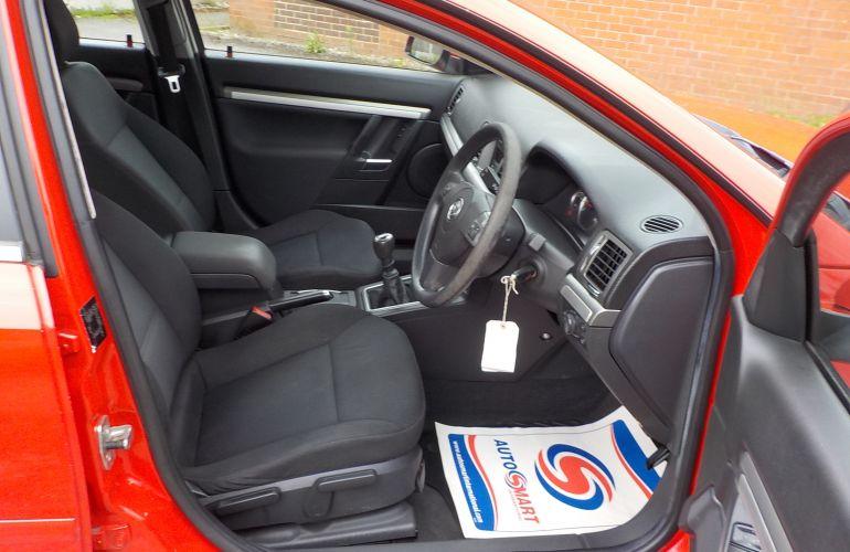 Vauxhall Vectra 1.8 i VVT Exclusiv 5dr SD08TVM