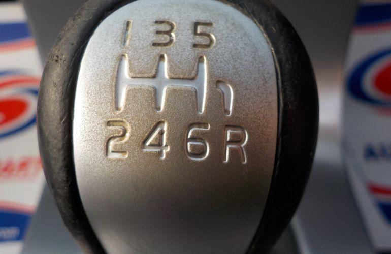 Volvo C70 2.4 D5 Sport 2dr YN08ZKK
