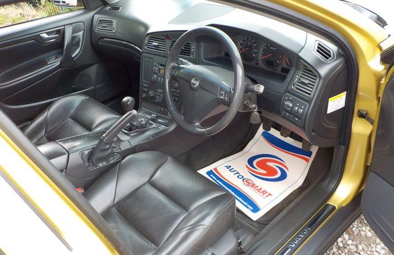 Volvo S60 2.0 T SE 4dr PX52GYF